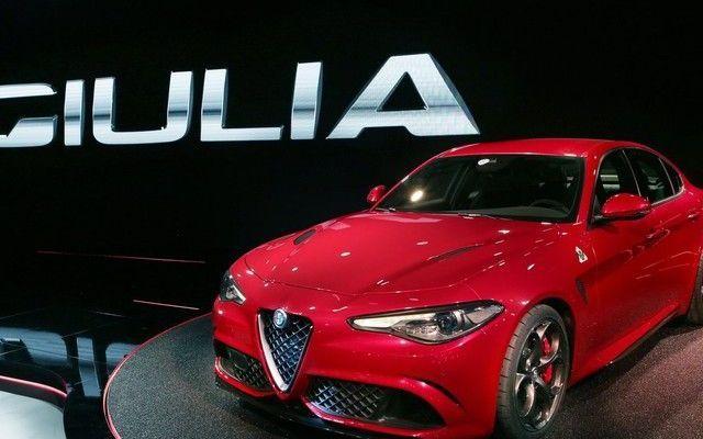 Un motore ibrido per Alfa Romeo Giulia! La presentazione della nuova Alfa Romeo Giulia ha avuto luogo qualche giorno fa, ma sono in tanti che ancora ne parlano. Noi di ecoAutoMoto ci siamo chiesti quando arriverà una soluzione ibrida. #alfaromeo #autoibrida #giulia