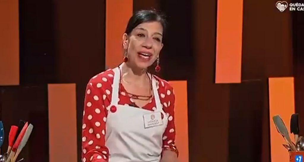 Mónica Bardem La Hermana De Javier Bardem En Los Casting De Masterchef 8 Television Tdt Online Gratis Javier Bardem Hermanas Delantales