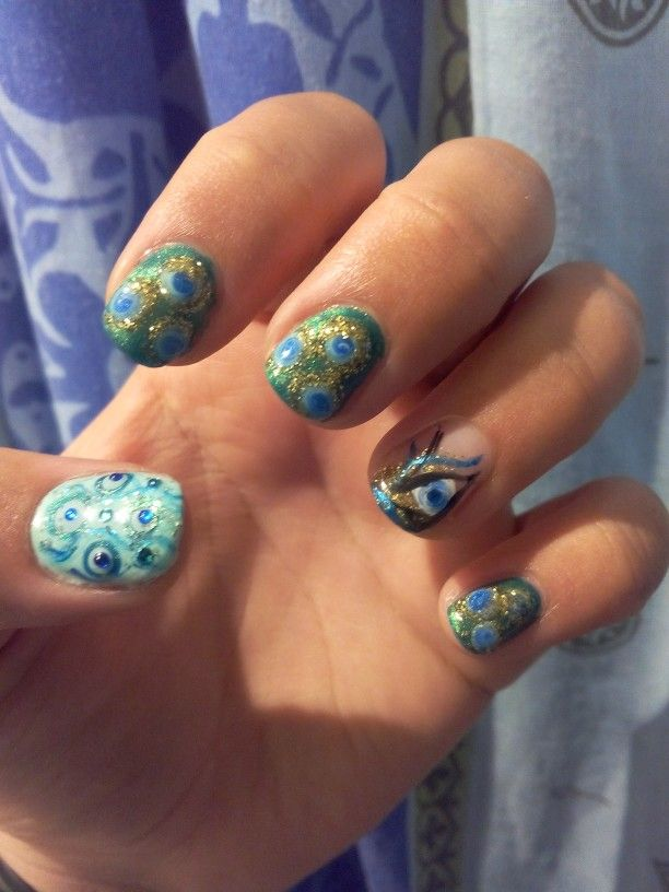 peacock gell nails