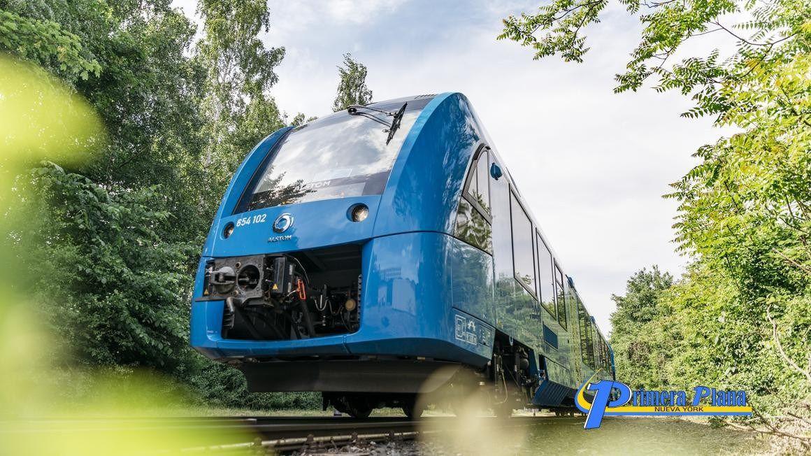 La Empresa Alemana Alstom Pone En Funcionamiento El Pimer Tren Propulsado Por Hidrógeno Que Recibe El Nombre Coradia Ilint Train Fuel Cell Hydrogen Fuel Cell