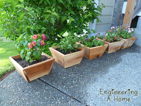 Cedar planter boxes cedar fence boards diy planter box for Tapered planter box plans
