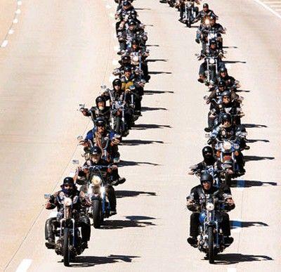 Google Image Result for http://lh3.ggpht.com/_nVSrF0LLSCk/S-tg1bwuvhI/AAAAAAAAC1I/gI8MMgLFzPY/biker-gang.jpg