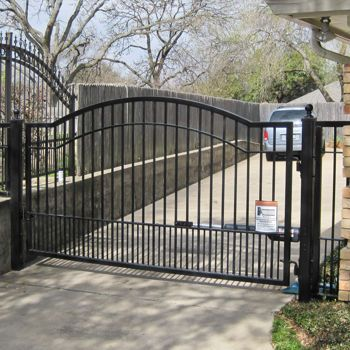 Costco 12 Mighty Mule Cascade Driveway Gate Driveway Gate Driveway House In The Woods