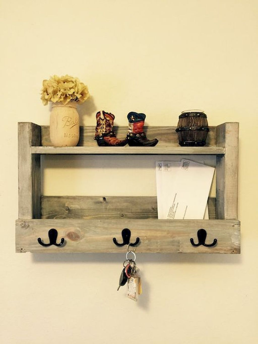 Rustic key holder organized ideas (12 | organization | Pinterest ...
