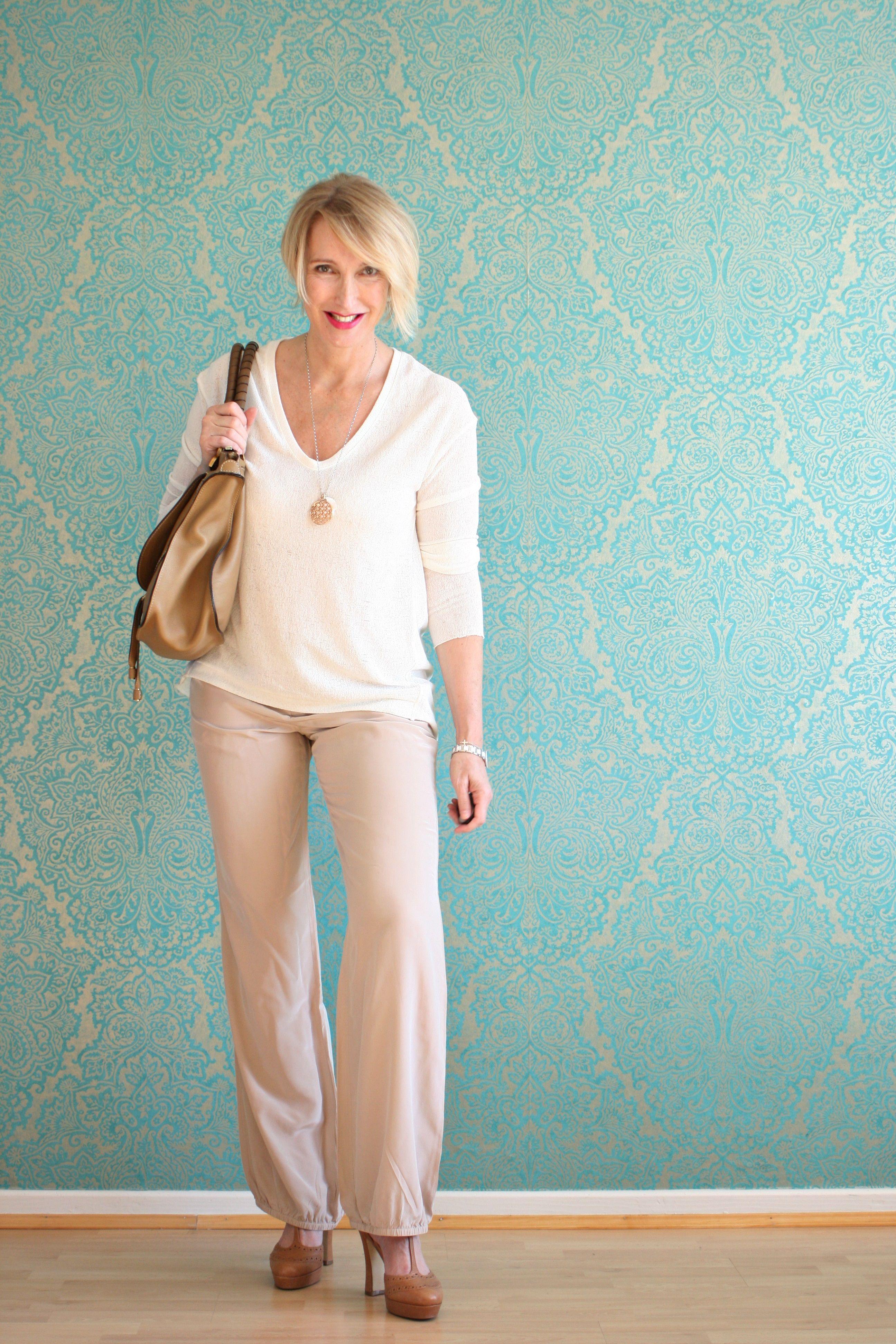 A fashion blog for women over 40 and mature women http://www.glamupyourlifestyle.com/  Sweater: Zara Pants: Dorothee Schumacher Shoes: Laura by Görtz  Bag: Chloé