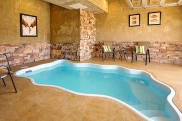 A Bear S Alpine Pool 2 Bedroom Cabin Rental Cabin Rentals Cabins In The Smokies Pool