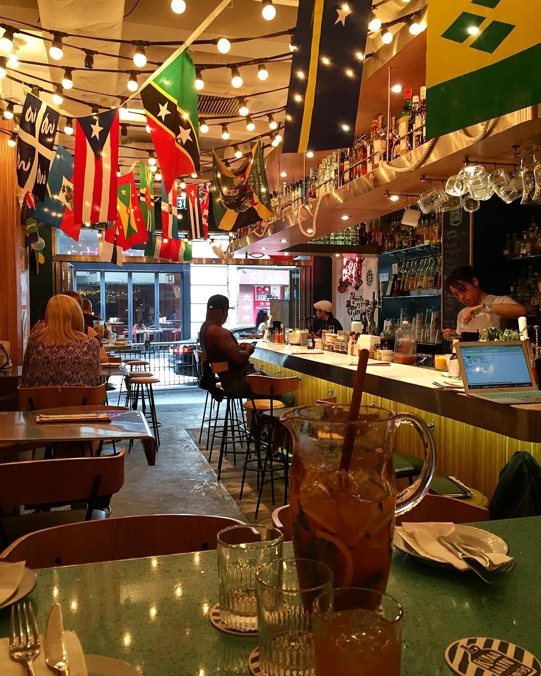 Another Jerk brunch with @notheather @jaysicles  Free flow Caribbean pimms and meat with live music. Happy Saturday 홍콩에서 제일 좋아하는 브런치 장소! 2시간동안 무제한 자메이카 바베큐와 술 라이브 뮤직을 즐길 수 있다는. 게다가 음식이 진짜 너무 맛있음 ㅠ 홍콩에 오심 꼭 와보세요! #brunch#hkeats#rummintings#jamaicanfood#brunchhk#hkig#hongkong#weekendbrunch#girlsbrunch#852#홍콩맛집#자메이카음식#주말브런치#브런치#러민팅스#소호맛집#홍콩라이프 by kimjiyeonkimchi