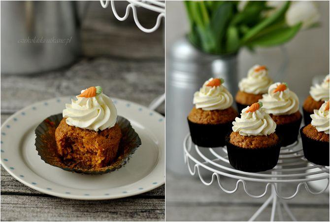Lindos cupcakes de cenoura! Mas precisa usar o Google Translate :)