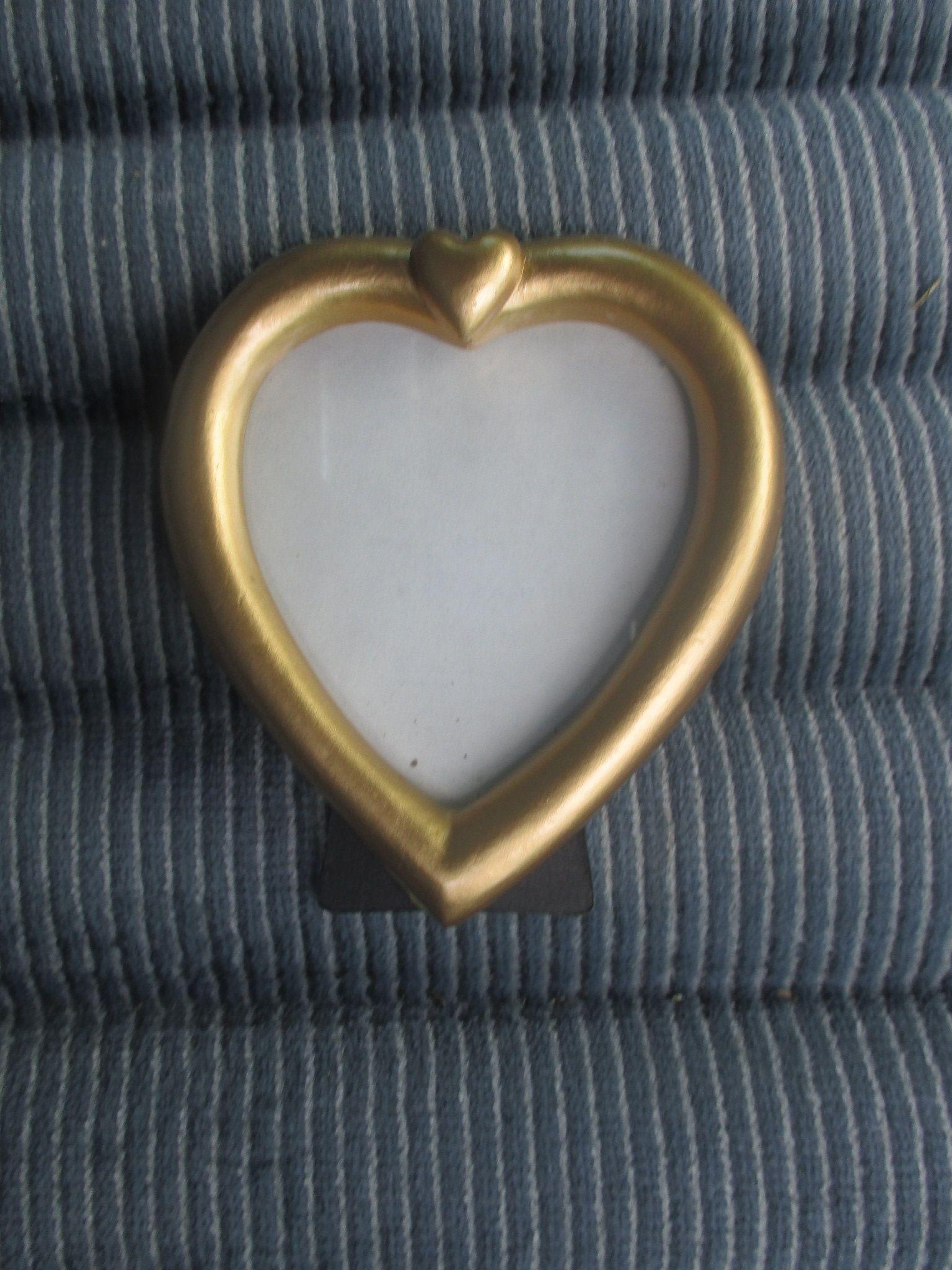 Reduced Vtg Gold Tone Romantic Heart Shape Design Small Easel Back