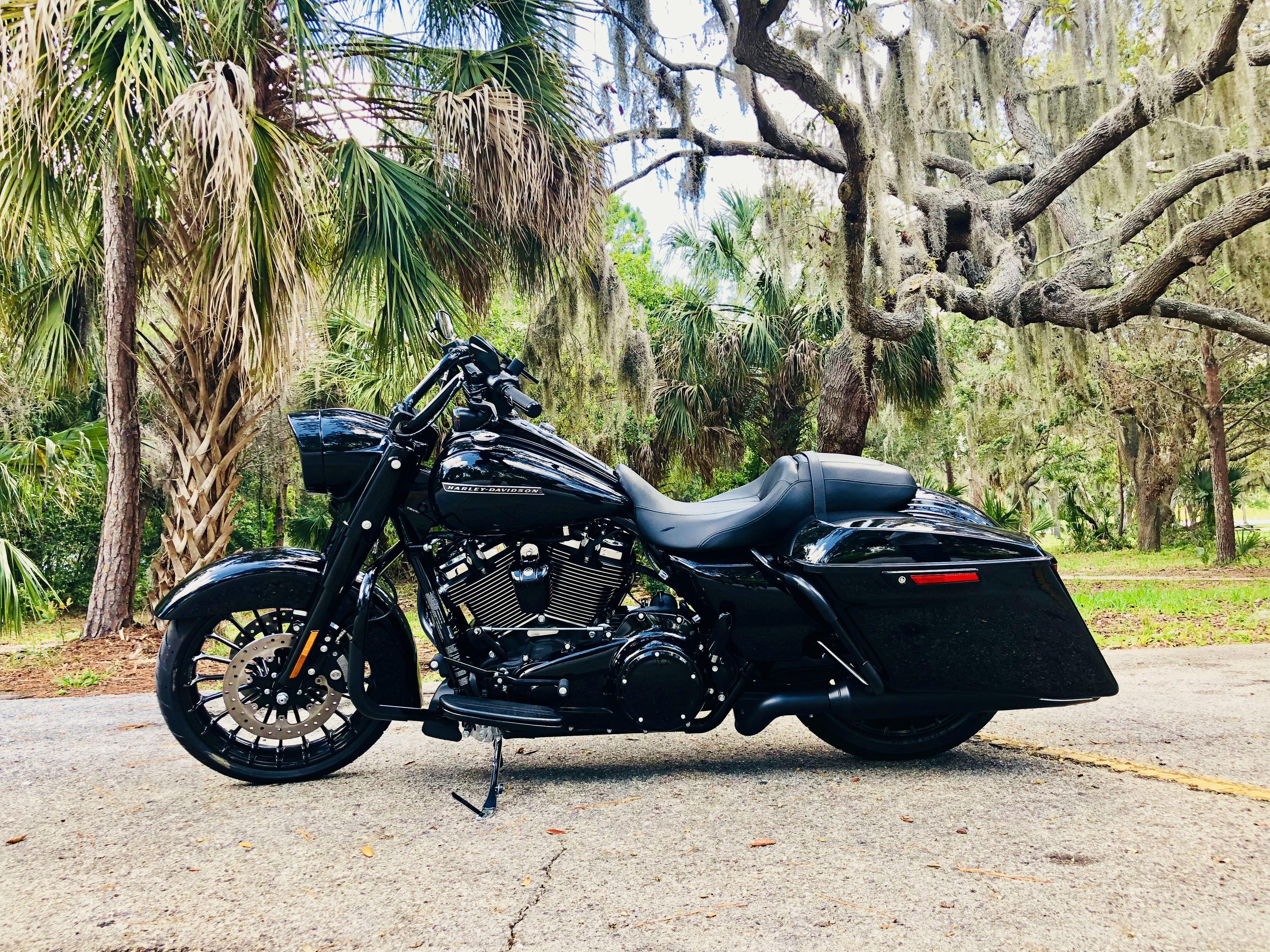 2018 Road King Special - Vivid Black   Harley-Davidson ...
