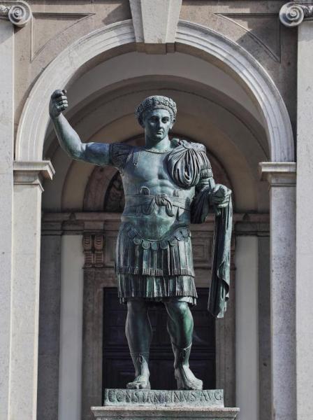 Milán fue capital del Imperio Romano - Estatua del Emperador Constantino  (Fotos Recientes) | Imperio romano, Romanos, Imperio