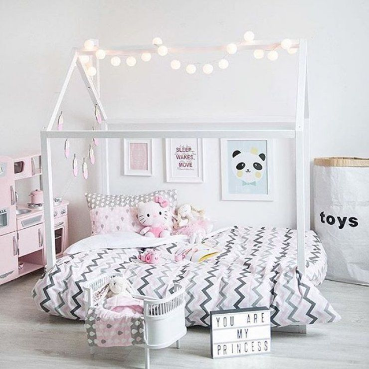 Mommo Design Bright Girl S Rooms Cadres Taille Et Chambres