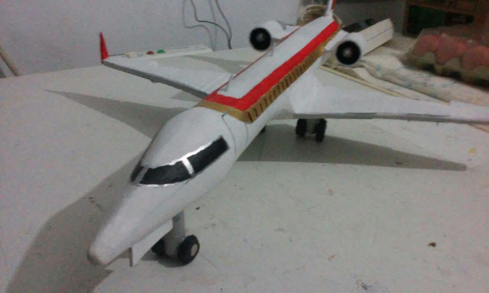 Avion en carton reciclado manualidades en casa pinterest - Manualidades en carton ...