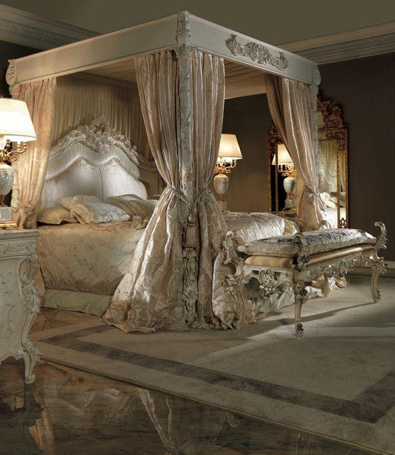 Extravagant Luxurious 4 Poster Bed Bedroom Interior Design
