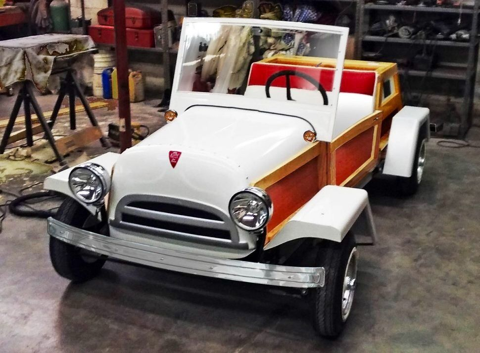 American Microcars model 2. Prototype of a new version of the original American Mirocar for sale possibly soon....