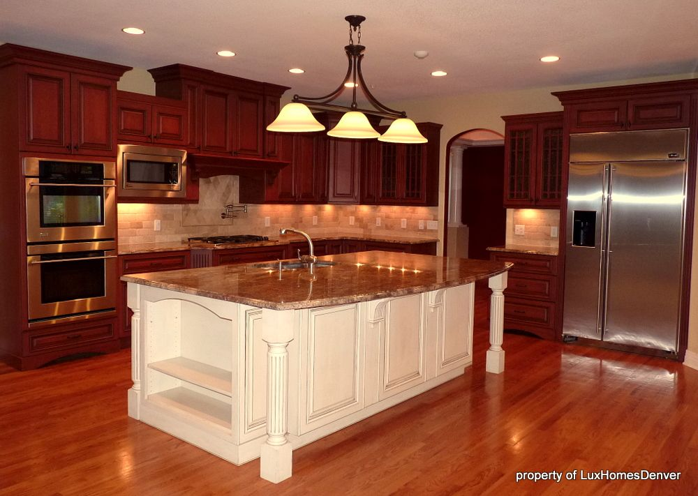 White Island Cherry Cabinets Warm Contrast Contrasting Kitchen Island Cherry Wood Kitchen Cabinets Cherry Cabinets Kitchen