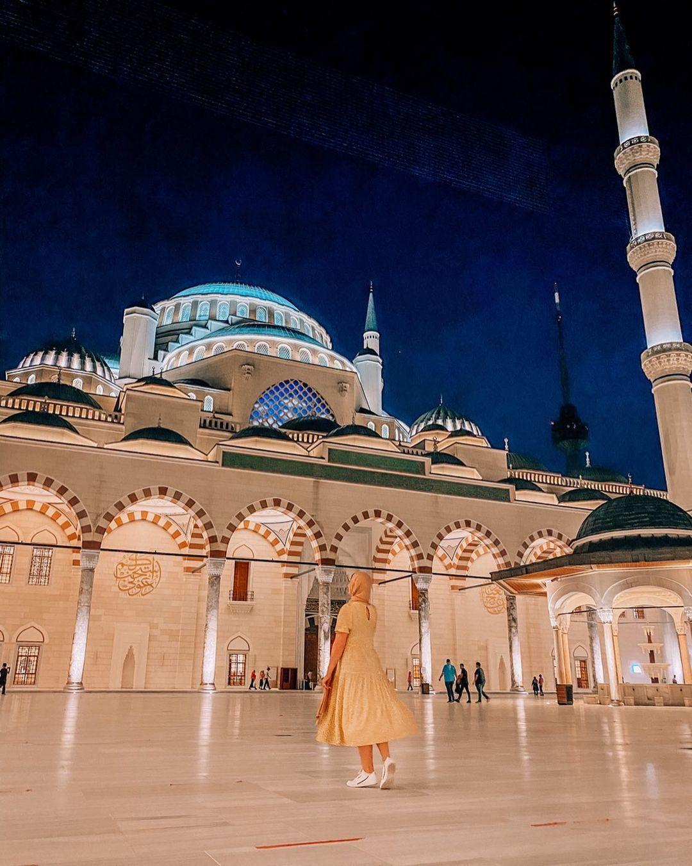 Suleymaniye Mosque - Istanbul, Turkey | Ellie Quinn - The Wandering Quinn | Instagram