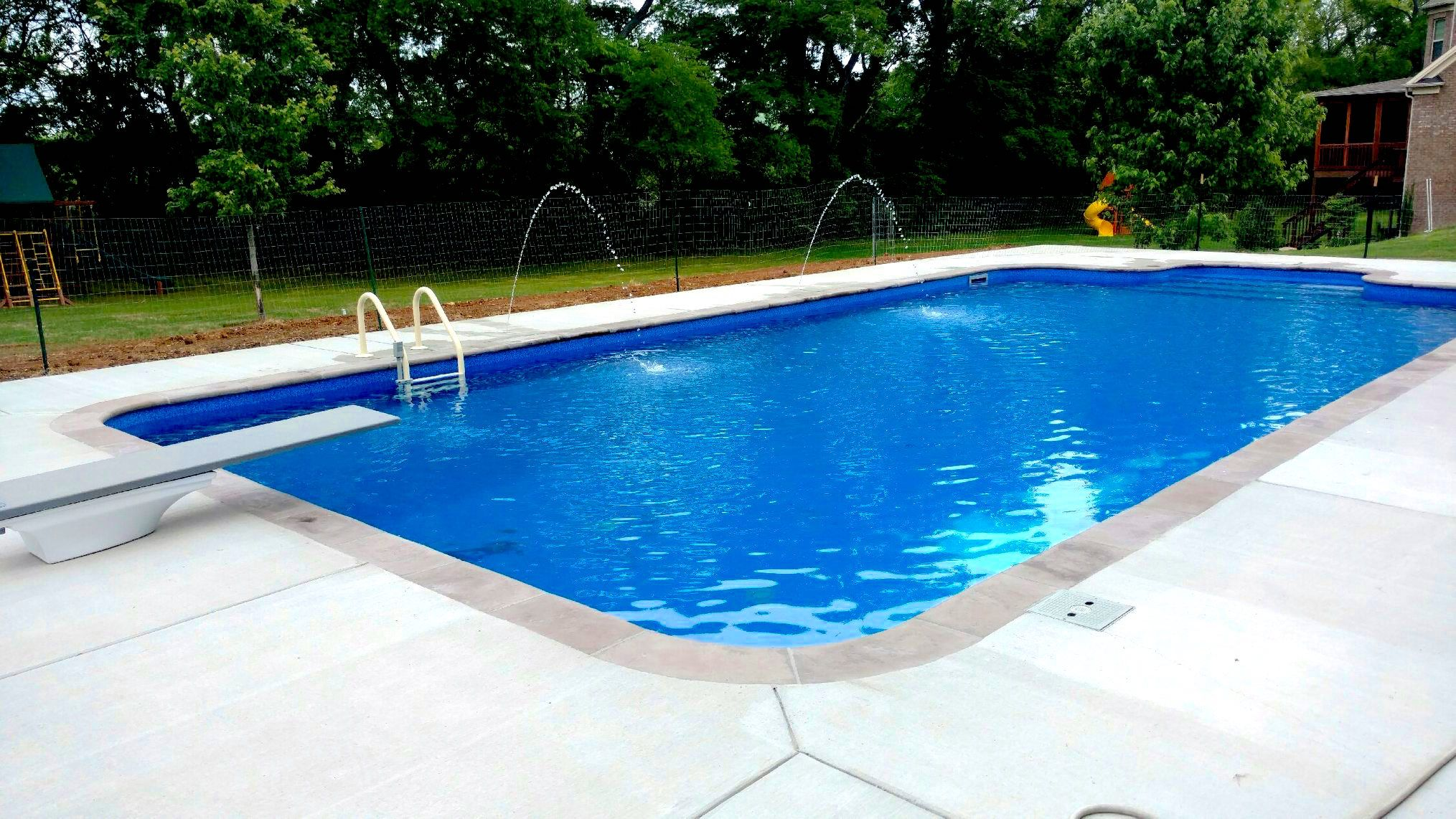 Pool And Spa Depot 20 X 40 Concrete Wall Pool Rectangle Shape Bluestone Liner Pattern Mocha Wet Cast Coping Broom Fin Spa Pool Rectangle Pool Concrete Wall