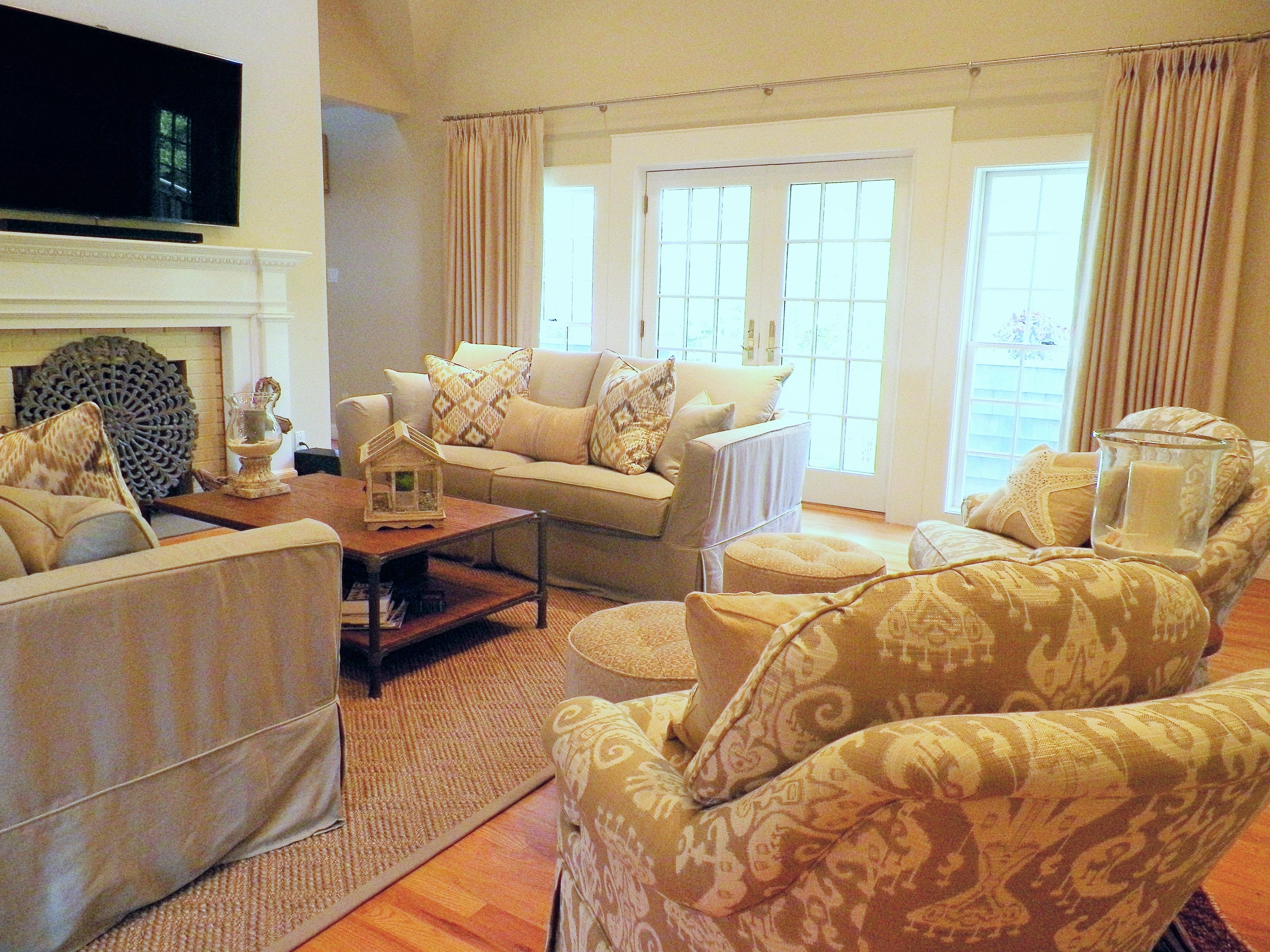 Hamptons chic relaxed beachy vibe Living Room | Jessica\'s Design ...