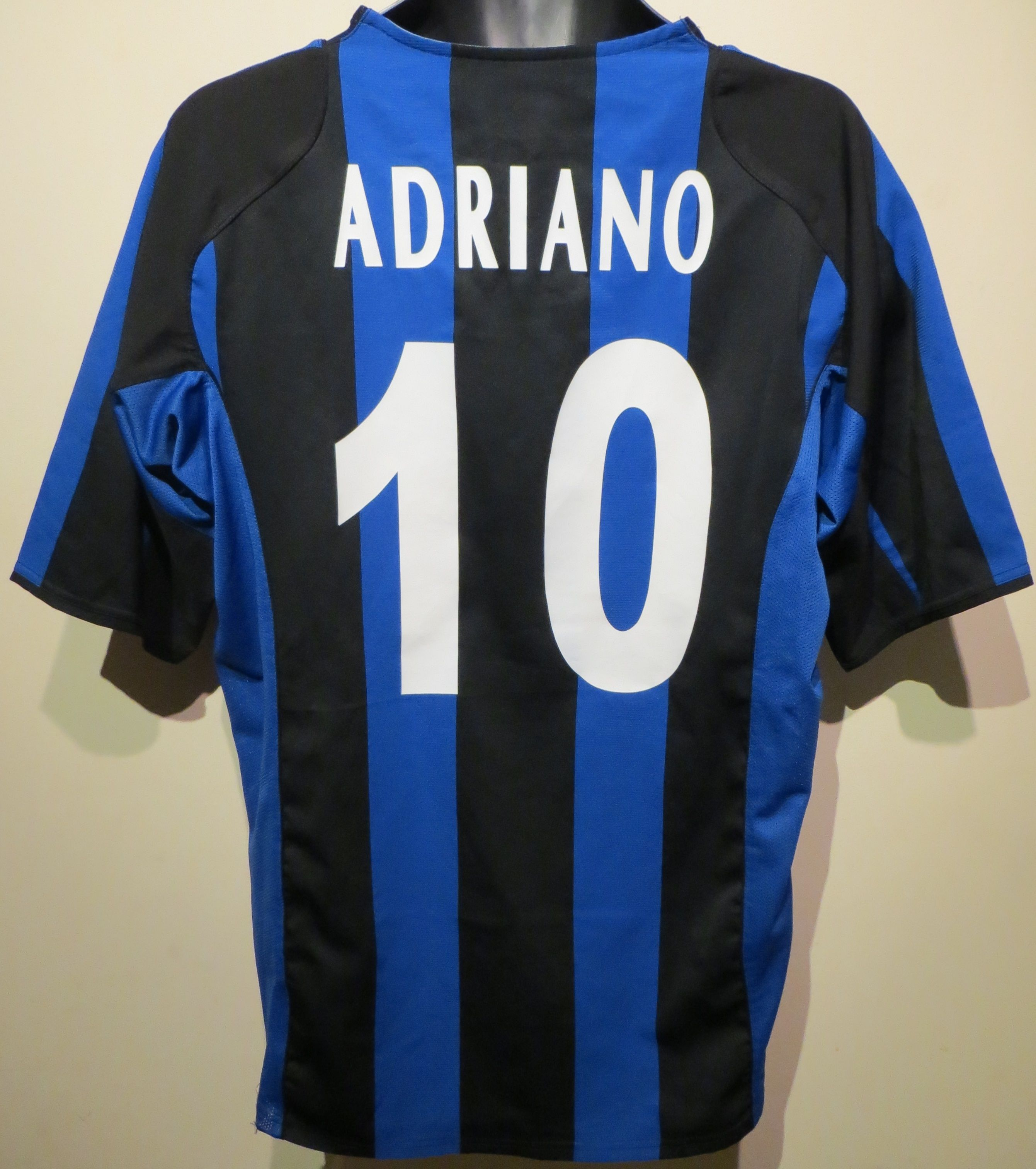 official photos 2b4ed a72d1 Adriano Inter Milan shirt by Nike (rear), a great player ...
