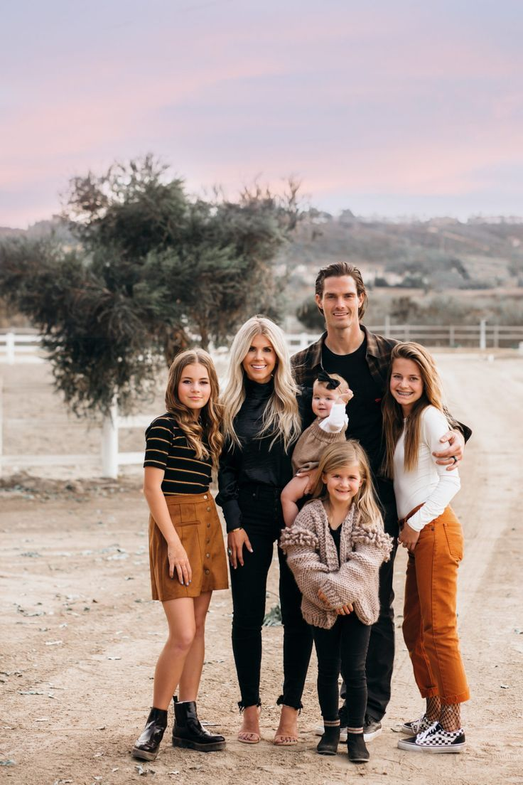 Tips For Taking Family Photos by Lisa Allen | Salty Lashes