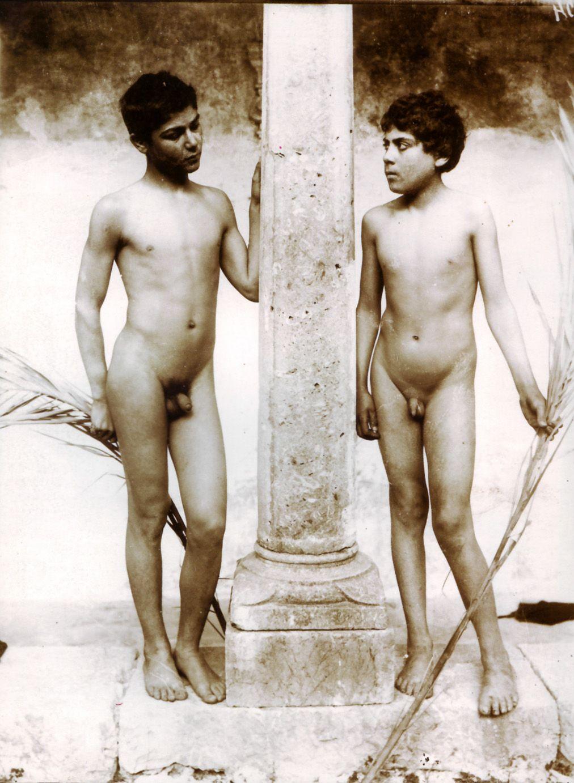 Antique nude men, average older nudrs