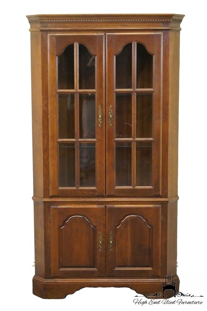 High End Cherry Queen Anne Lighted Corner China Cabinet  #UnmarkedprobablyBernhardtorAmericanDrew #Traditional