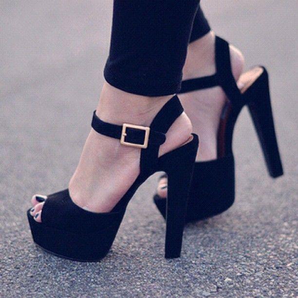 8b1c84b011666 Salto Alto Preto | Roupas e Sapatos | Sapatos, Sapatos de festa e ...
