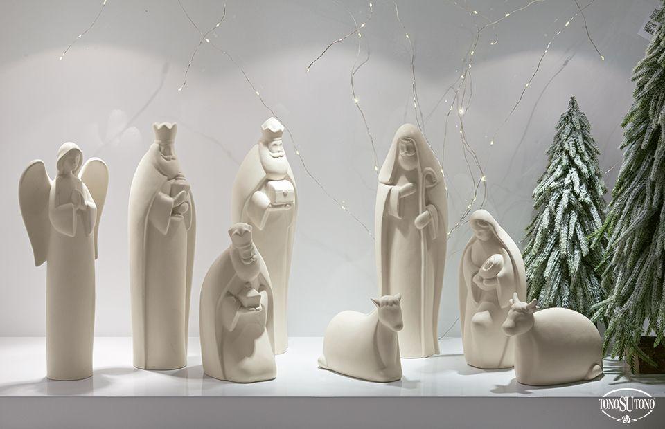 Natale TonoSUTono | Natività moderna dalle linee essenziali