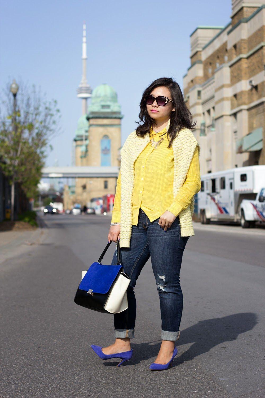 Street Style with Yellow Power http://www.sashassatisfashion.com/  #FBlogger #StreetStyle