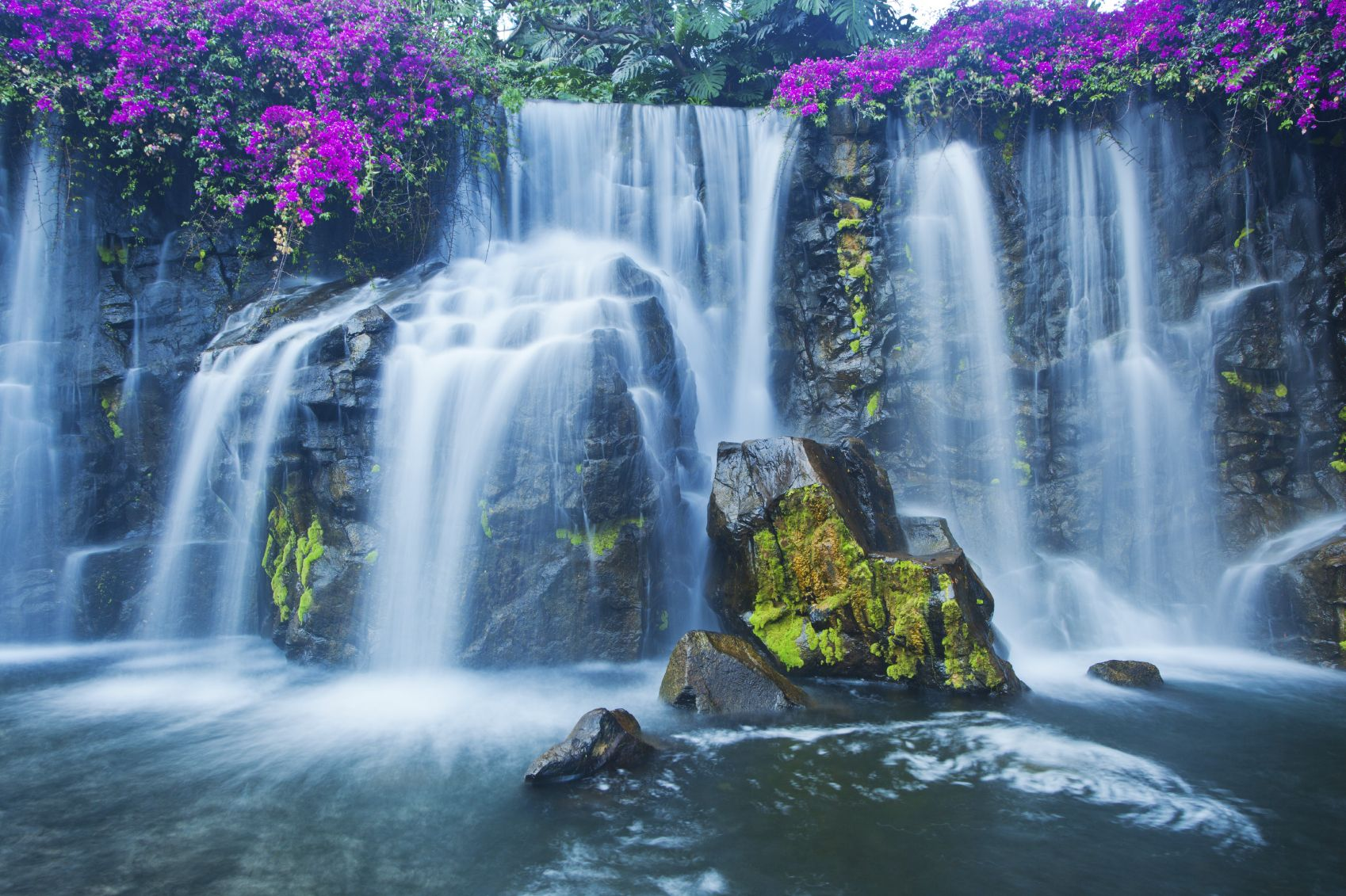 how beautiful is this #hawaii waterfall? #trip #vacation #usa