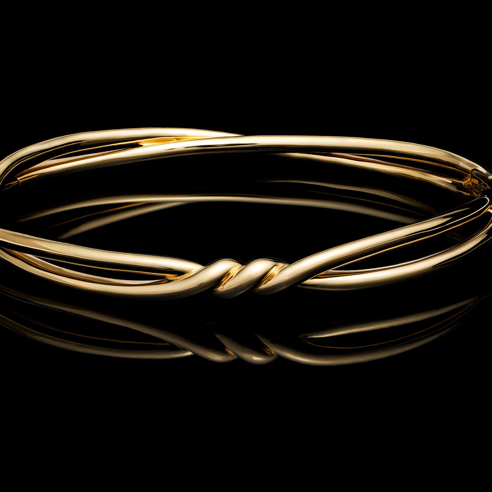 4b3d473d9dfc9 The new David Yurman Continuance™ bracelet—in 18k yellow gold—symbolizes  the continuous bond between individuals.