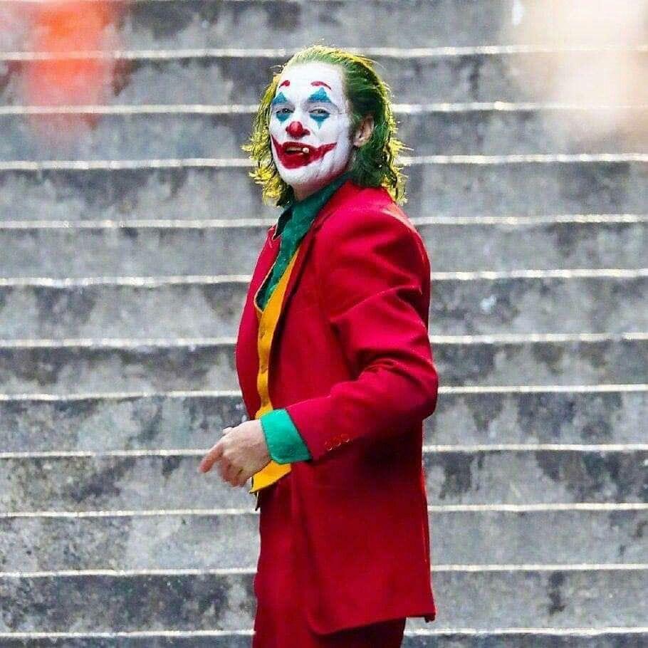 Joaquin Phoenix In Joker 2019 4k Ultra Hd Mobile Wallpaper Maquillaje De Joker Joker Maquillaje Halloween Hombre Payaso
