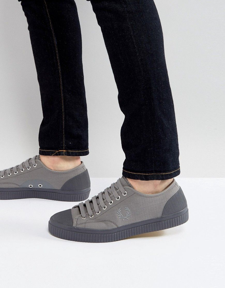 FRED PERRY HUGHES SHOWER RESISTANT CANVAS SNEAKERS IN GRAY - GRAY. #fredperry #shoes #
