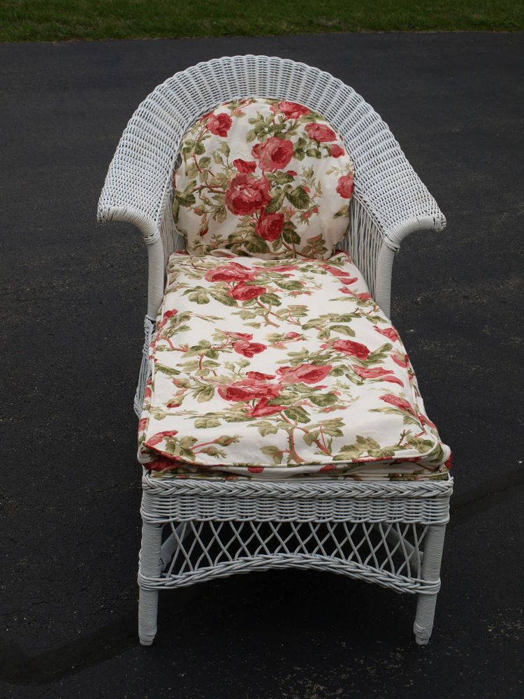 Antique depression wicker white chaise rattan antique for Antique wicker chaise