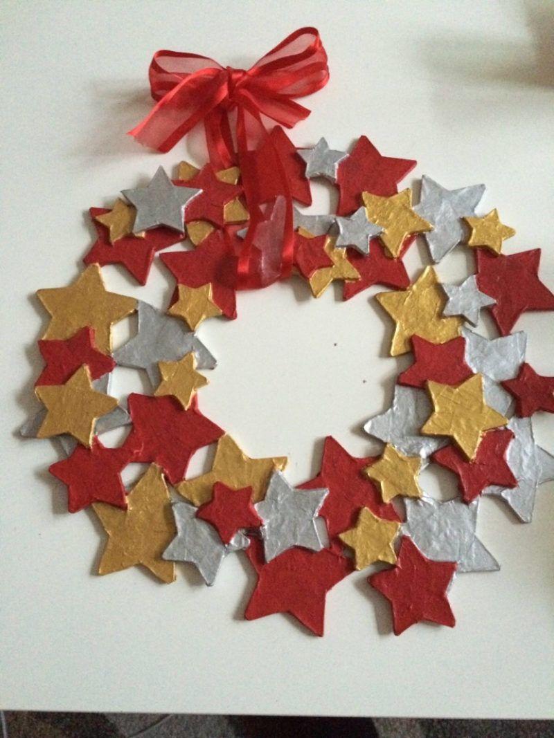 Sternen-Türkranz mit Pappe basteln - für Kinder geeignet