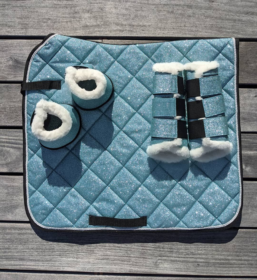 Equestroom In 2020 Equine Fashion Equestrian Style Saddle Pads