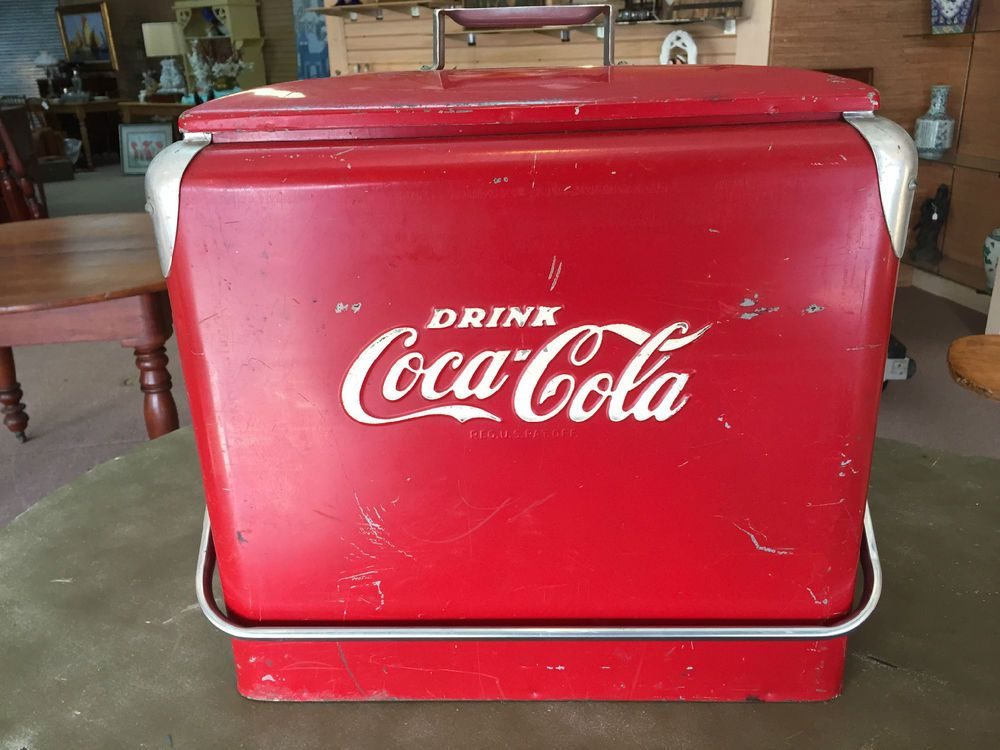 BEAUTIFUL VINTAGE COCA COLA PICNIC COOLER W SANDWICH TRAY INSERT Ca 1950s
