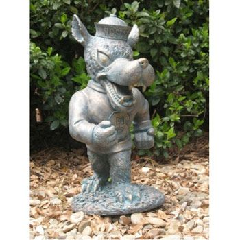 This Strutting Wolf Oxbay Garden Statue Is A Great Addition To Any Lawn Or  Garden. *Made Of High Quality Resin/fiberglass Combo.