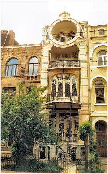 Art nouveau antwerp wonderful doors and windows built to for Raumgestaltung innenarchitektur ausbildung
