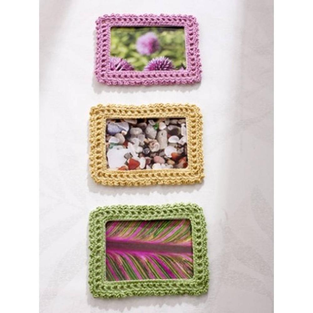 Free Pattern Caron Crochet Picture Frame Hobbycraft In 2020 Crochet Accessories Crochet Decoration Crochet Patterns