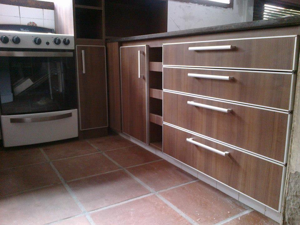 Mueble De Cocina En Melamina Y Detalles De Aluminio Muebles De