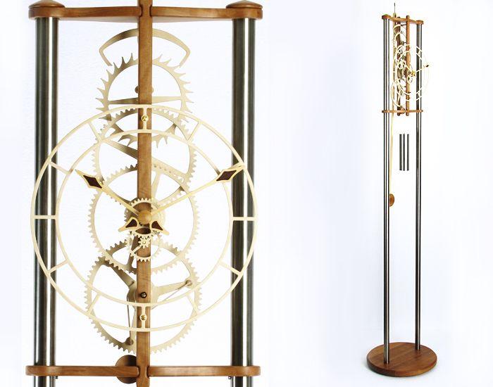 LARA-Wooden Clock