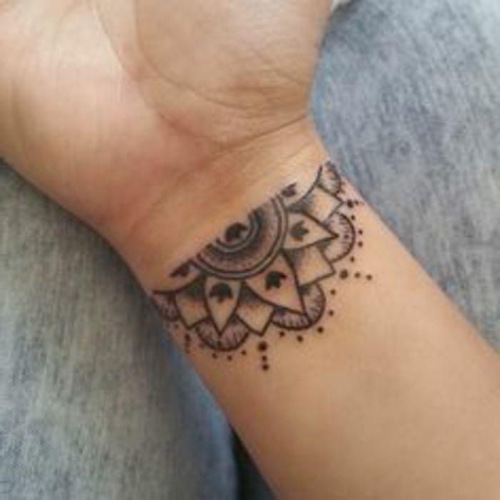 Ideas De Tatuajes Pequeños Y Atractivos