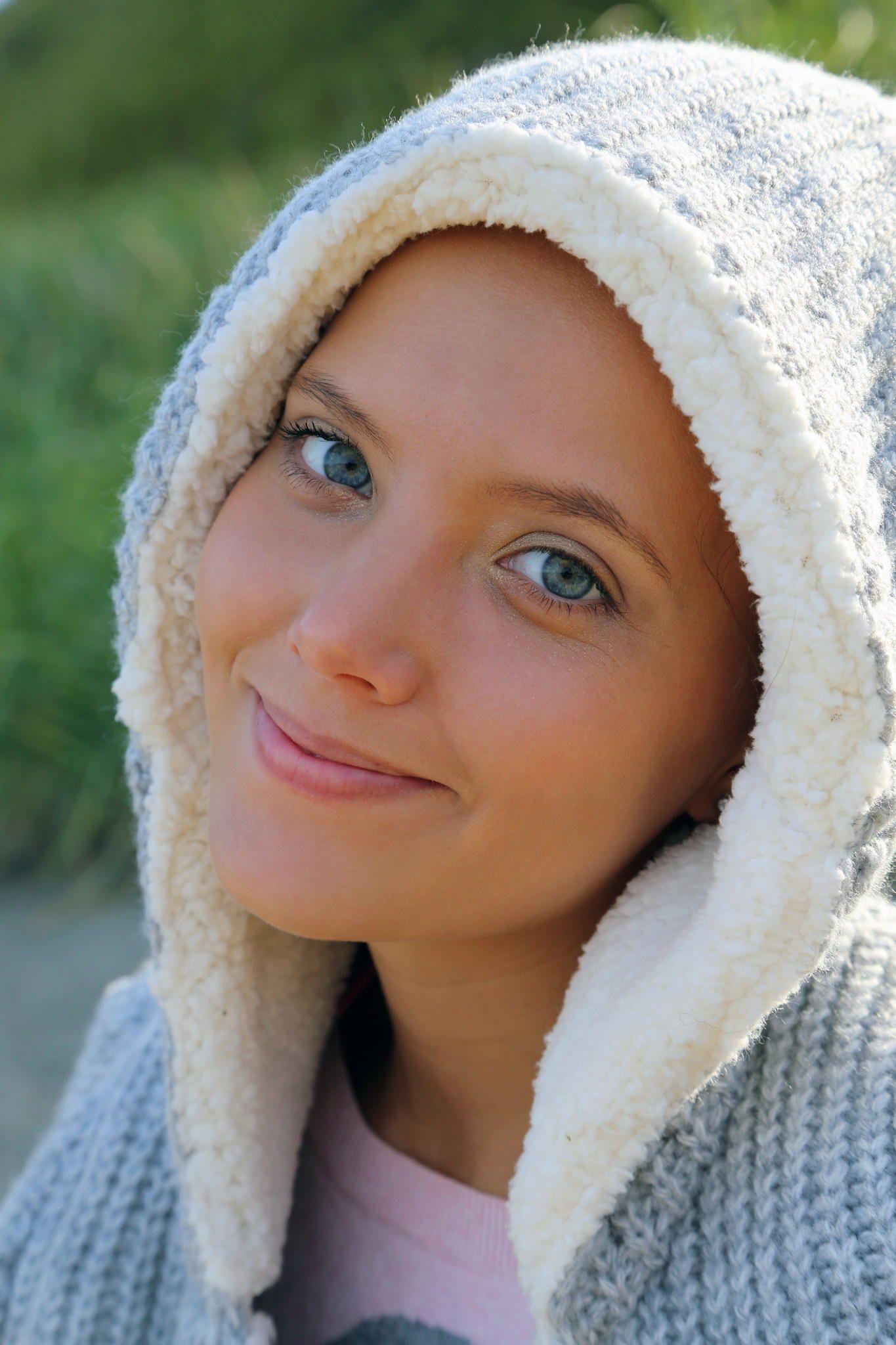 Katya Clove