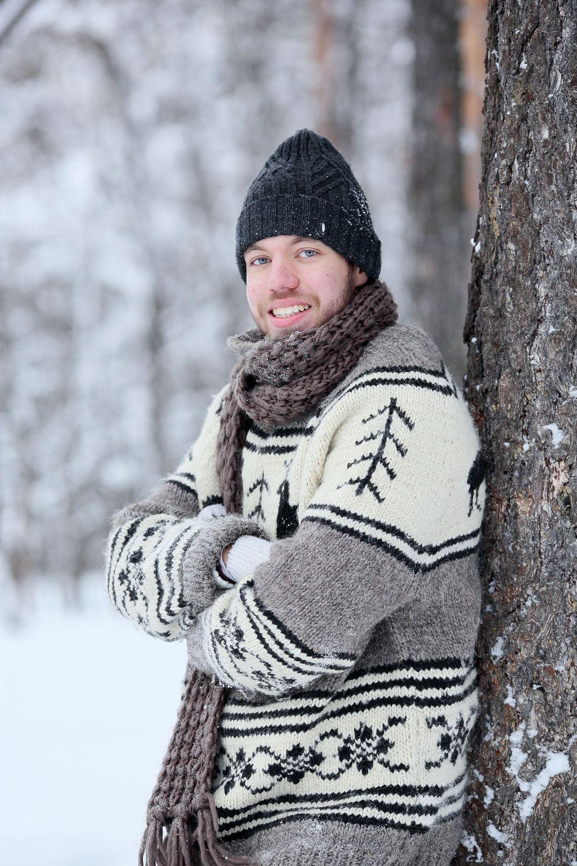 мужские позы фото в лесу зимой как проехать где