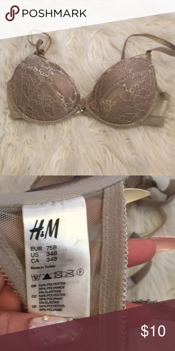 c092d790d6f H M Grey Lace Push Up Bra Push up Grey Lace Bra. MAKE OFFERS IM ALWAYS  WILLING TO NEGOTIATE. H M Intimates   Sleepwear Bras