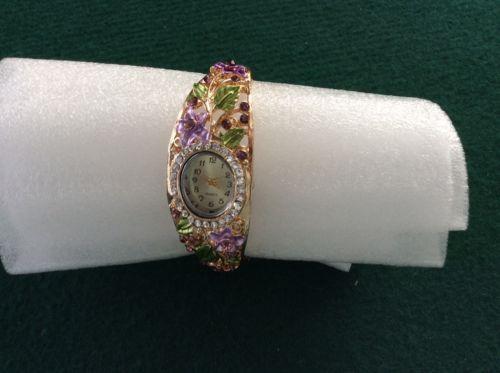 Attractive Ladies Bracelet Wrist Watch With Purple Flowers & Rhinestones https://t.co/DNq30DprQJ https://t.co/zpZH3OZcVe