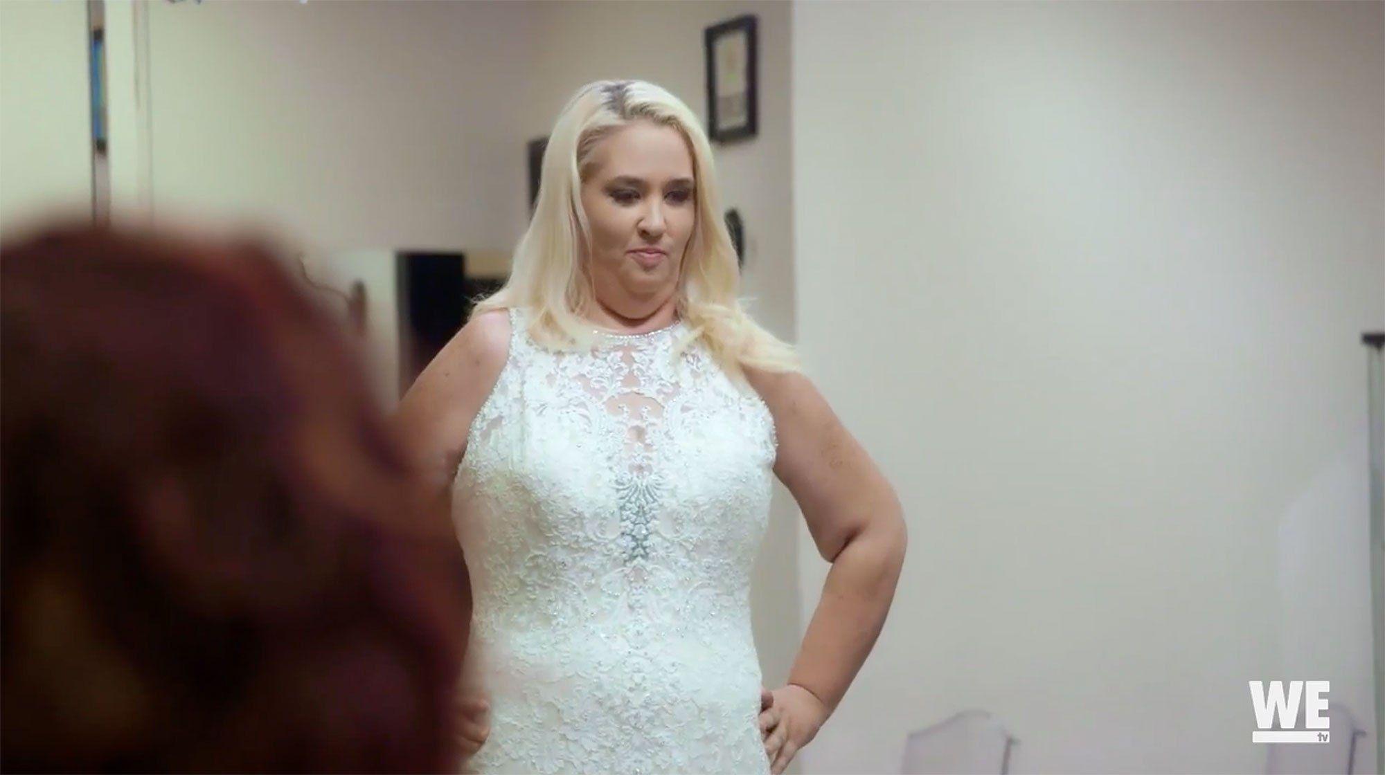 Mama june wedding dress  Dramatically Slimmed Down Mama June Tries On a Wedding Dress
