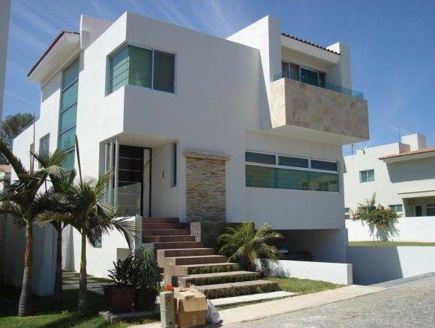 resultado de imagen de entrada de casas de dos pisos con